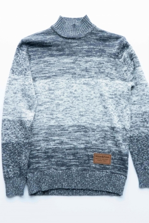 Arctic Knit Twisted logo